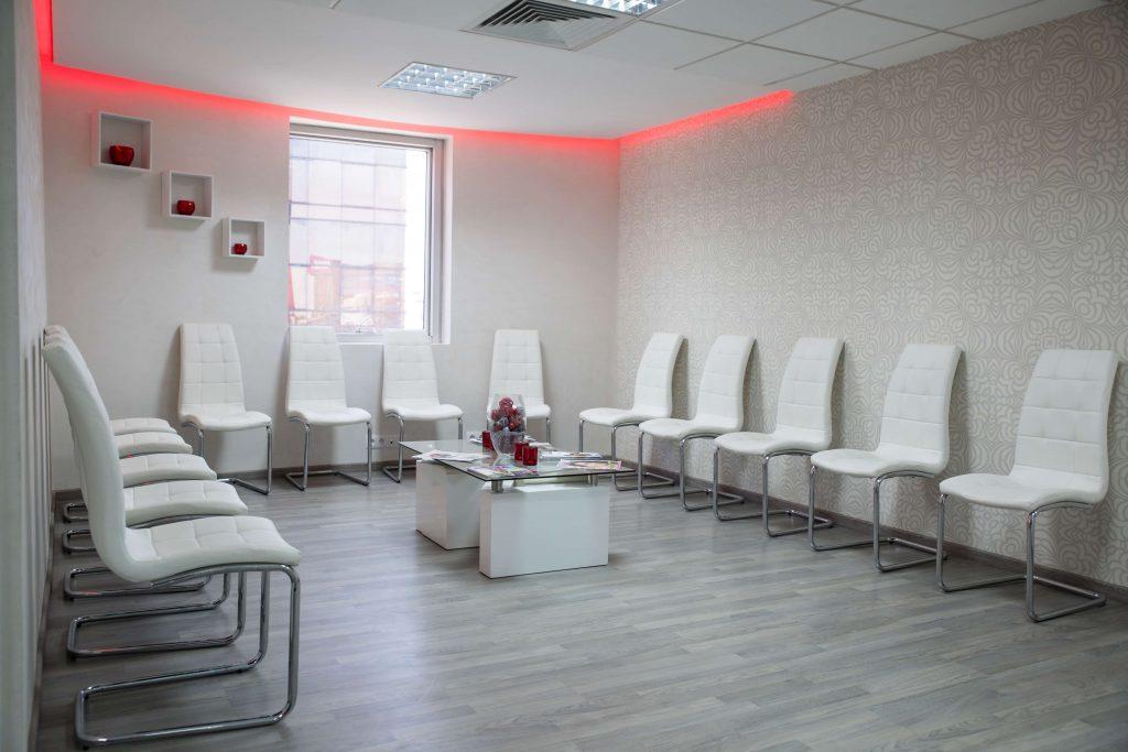 salle d'attente à clinique dentaire la colline
