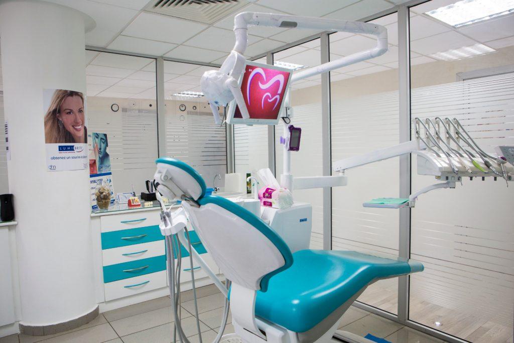 salle bleu à clinique la colline à sidi maarouf
