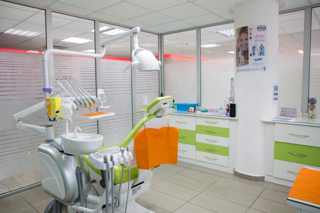 salle verte à clinique dentaire la colline