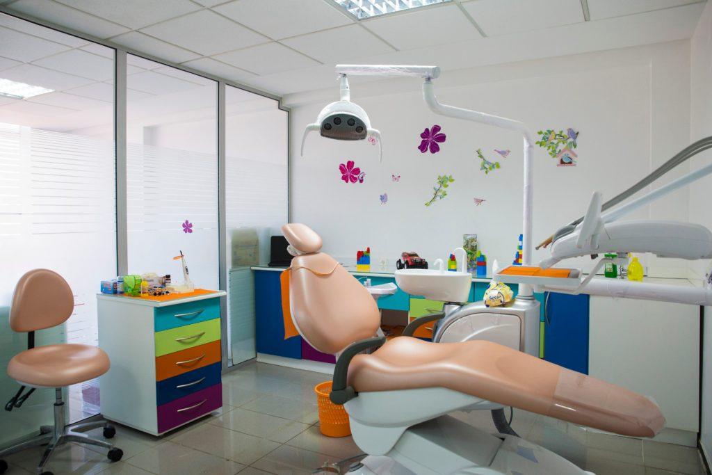 salle de pédodontie à clinique dentaire la colline